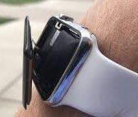 apple watch batteria gonfia